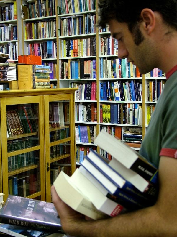 8 Popular Books to Better Understand the World of Blogging