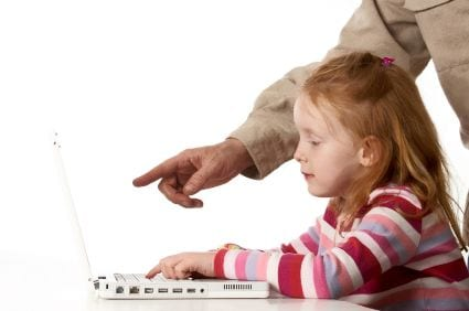 7 Effective Ways for Parents to Supervise Blogging